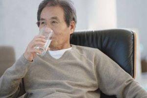 Khó khăn trong điều trị nhiễm khuẩn đường tiết niệu ở người cao tuổi
